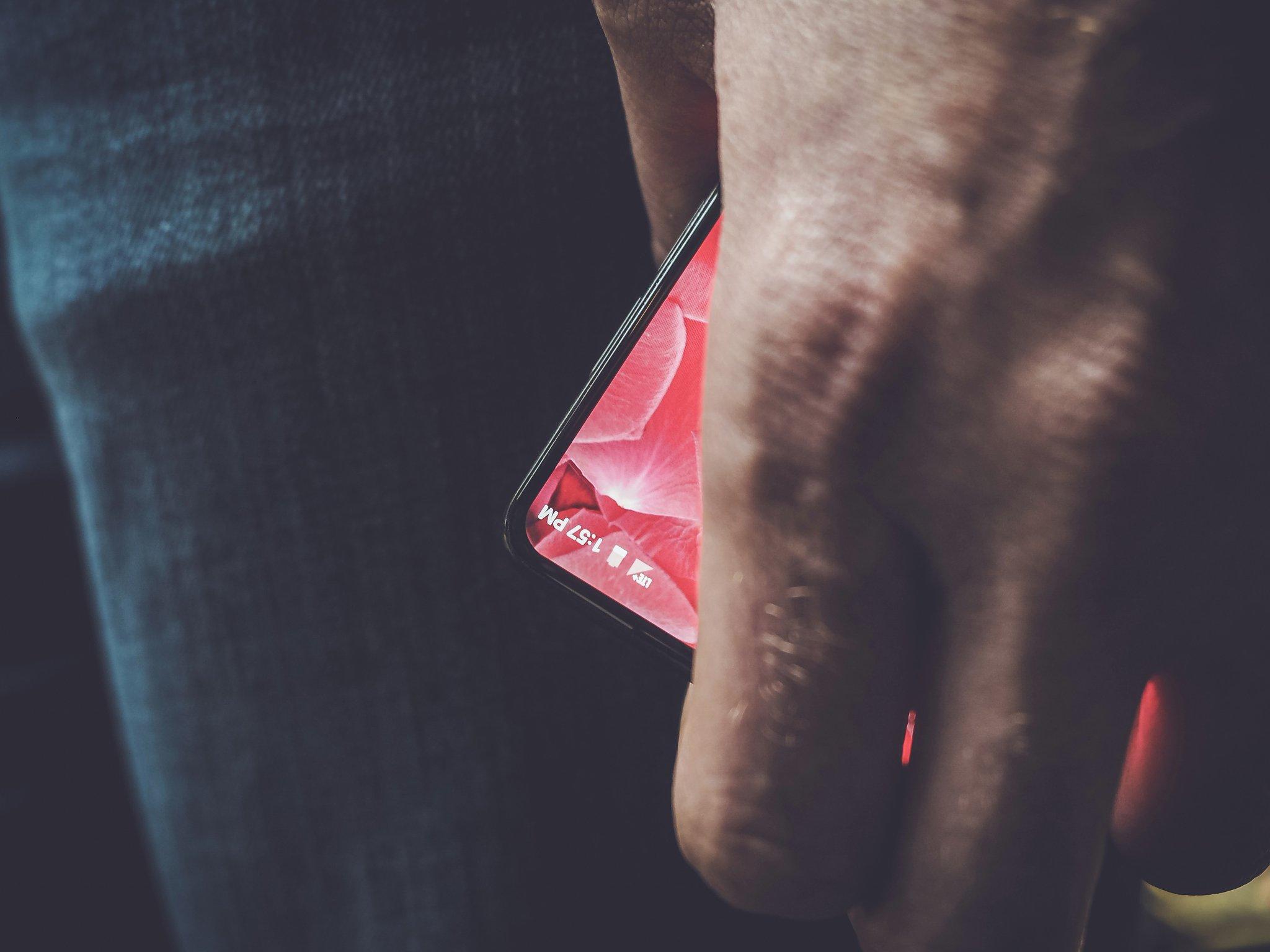Essential-Modular-Phone.jpg