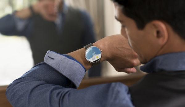 Motorola släpper runda smartklockan Moto 360