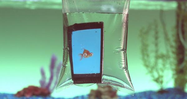 Sony släpper undervattensappar, men bara i USA