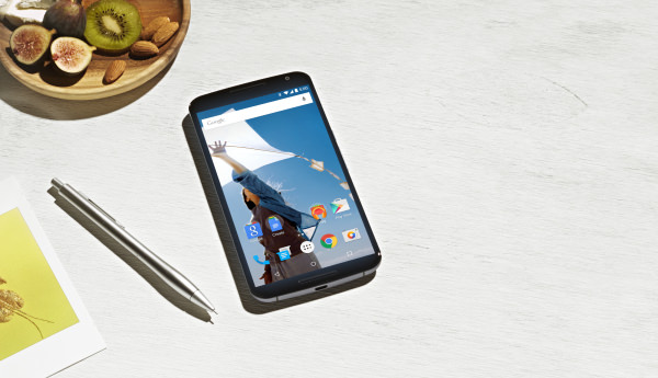 """Video som visar """"Ambient Display"""" på Nexus 6"""