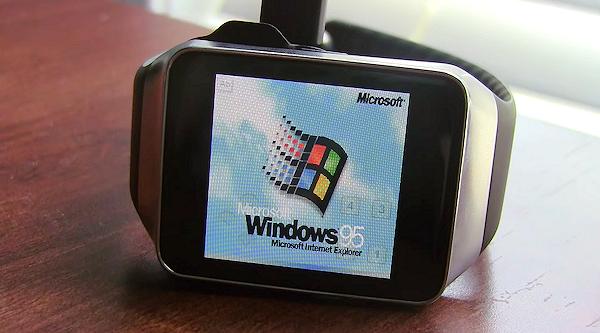 Windows 95 körs på Samsung Gear Live