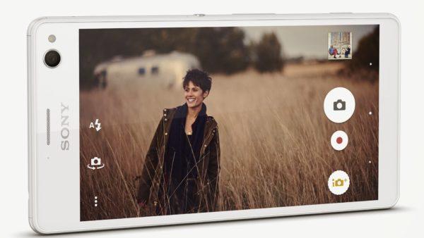 Sony introducerar Xperia C4 — telefon med fokus på självporträtt