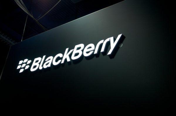 Om BlackBerry inte säljer fem miljoner smartphones om året kan mobilverksamheten läggas ner