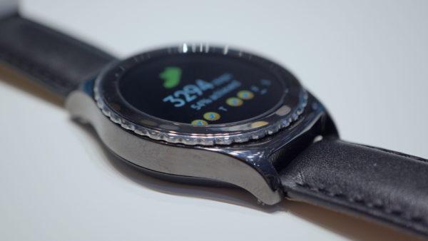Samsung Gear S2 är kompatibel med alla moderna Androidmobiler