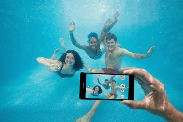 Sony ändrar sin hållning till IP-certifiering, säger att telefoner inte ska användas under ytan