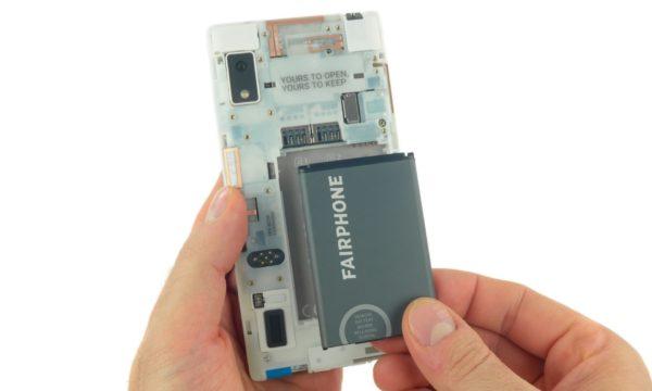 Modulära telefonen Fairphone 2 får högsta betyg av IFixIt